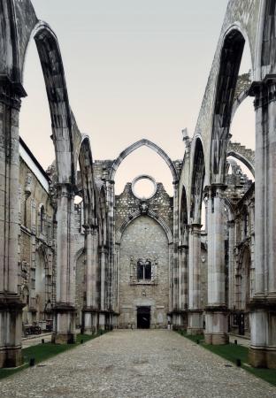 De middeleeuwse klooster werd verwoest in de 1755 Lissabon Aardbeving.