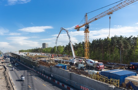 Erhöhte Straßenbaustelle in Moskau, Russland