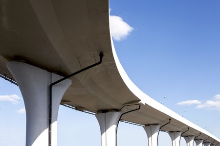 bridge construction: Underside of a freeway span