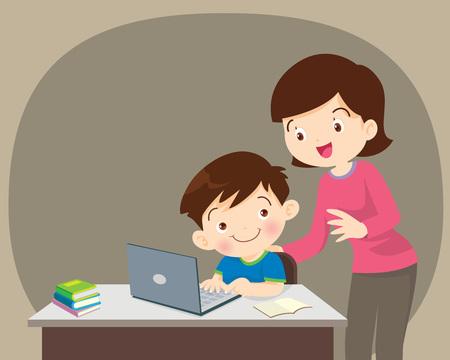 Kinder, die Laptop arbeiten, Mama freut sich über etwas von Kinderjungen mit Laptop.