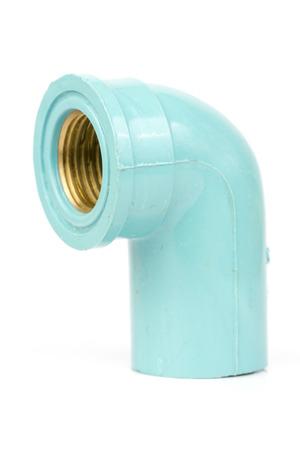 codo: Codo de plástico azul del grifo en el fondo blanco Foto de archivo