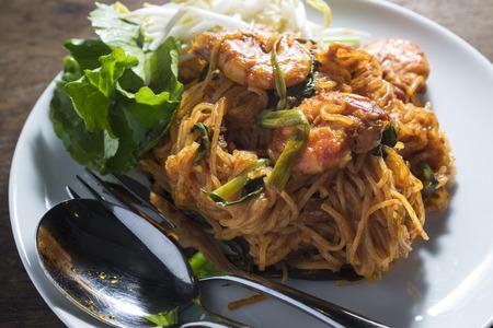 padthai: Padthai with Shrimp on White dish