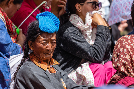 Ladakh, India - Jul 23, 201 8 : Folks of Leh in Mask Dance Festival of Tibet monks of Sakti Temple in Ladakh, Jammu and Kashmir, India Banco de Imagens - 108847571