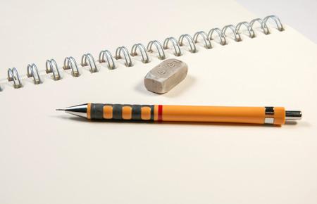 lapiz y papel: Cuaderno y un l?piz