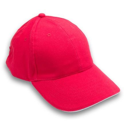 rode hoed op witte achtergrond