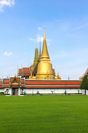 Grand palace at Bangkok, Thailand photo