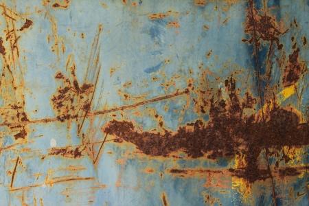 corrugated steel: Rusty corrugated metal wall