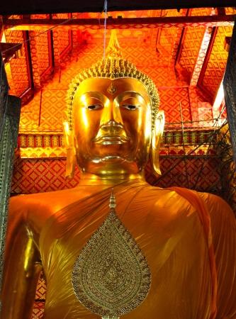 gloden: Big gloden Buddha statue in Thai temple, thailand