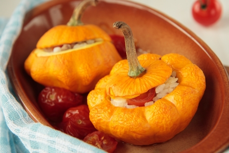 Yellow squash, baked with rice and tomatoes Standard-Bild