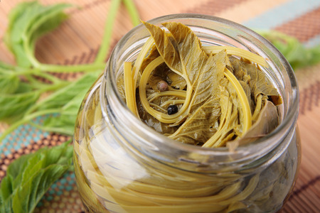 bay leaf: Leaves of goutweed, marinated with pepper and bay leaf in jar