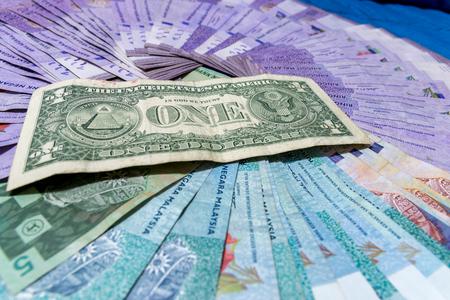 alexander hamilton: Dollaro l'unità monetaria di base degli Stati Uniti.