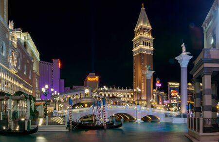 Las Vegas, NevadaUnited states Of America-April 13, 2018: Beautiful night lighting of buildings, hotels and resorts on Vegas Blvd Street in downtown Las Vegas. Redakční
