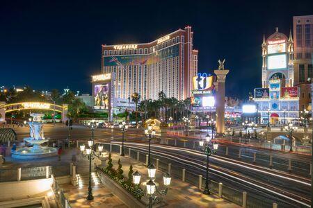 Las Vegas, NevadaUnited states Of America-April 13,2018: The beauty of the lights of the hotel building, the casino, and the lights of the night street in downtown Las Vegas. Redakční