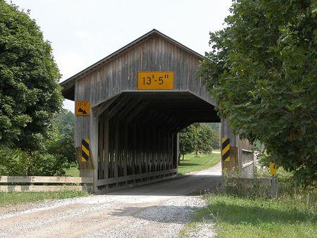 The Caine Road Covered Bridge in Ashtabula County Ohio Stok Fotoğraf - 1260597