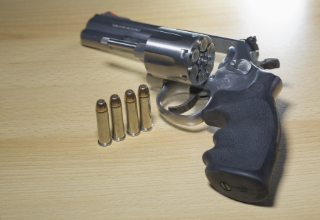 Pistole Revolver Gun Stock Photo - 17152829