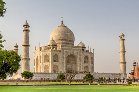 monument in india: Taj mahal , A famous historical monument on India Editorial