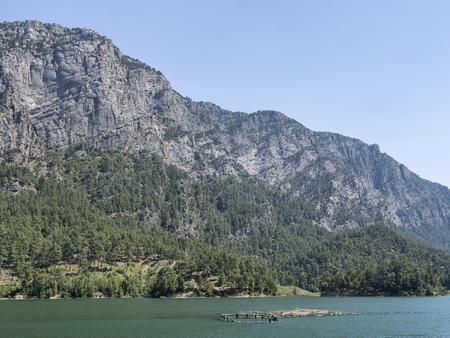 Beautiful view from the mountain lake Manavgat in Turkey Standard-Bild - 100752490