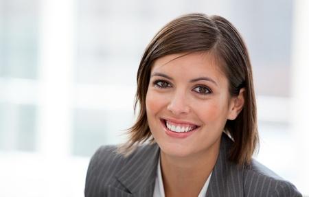 managers: 사무실에서 여성 임원의 초상화