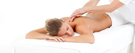 tratamientos corporales: Mujer atractiva que masaje Foto de archivo