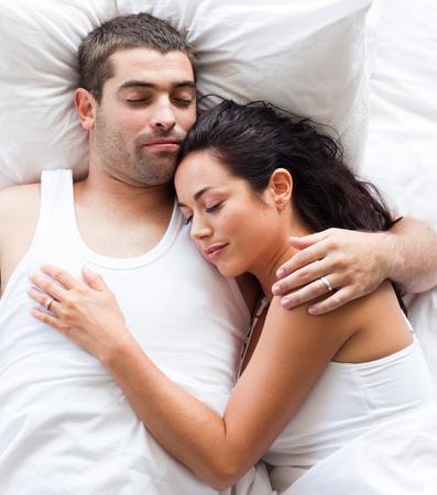 Pareja de enamorados en la cama Foto de archivo - 10134106