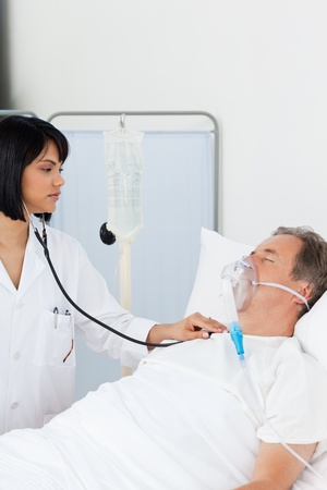 Nurse whith her mature patient in a hospital Stock Photo - 10197092