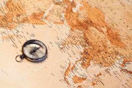 mapas conceptuales: Mapa del mundo con br�jula, �frica y Asia
