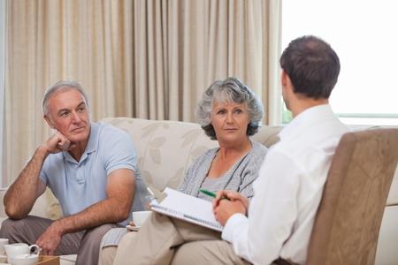 Senioren mit Sicherheit Menschen Lizenzfreie Bilder