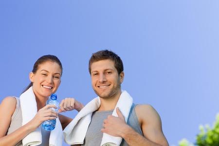 pareja saludable: Feliz pareja deportivo Foto de archivo