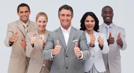 Zuversichtlich Business-Team mit Daumen nach oben