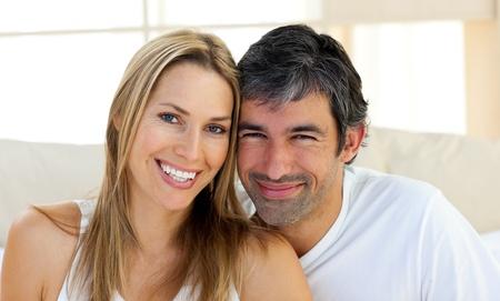 despertarse: Retrato de sonre�r amantes