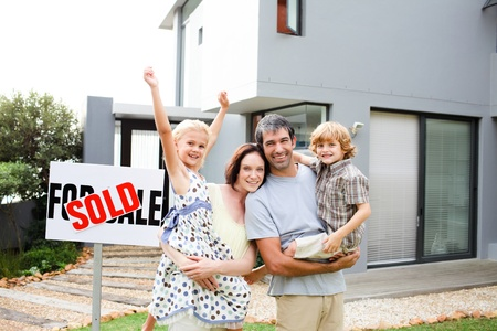 Family buying a house Stock Photo - 10070487