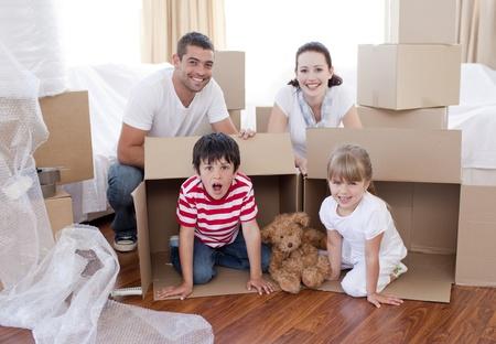 Bewegliche Einfamilienhaus mit K�sten um