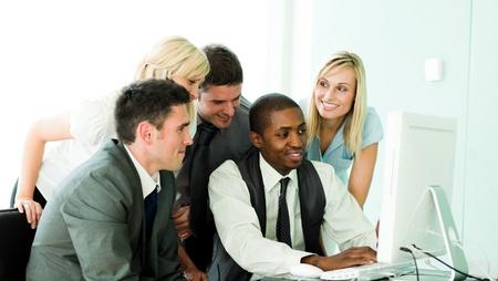 Internationale Business Team working in Office zusammen Lizenzfreie Bilder - 10256807