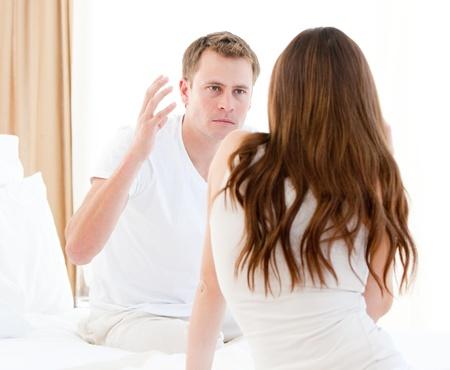 persona enojada: Objeciones de pareja estresante