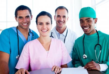 Portret van een succesvolle medische team aan het werk Stockfoto