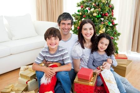 pere noel: No�l en famille portrait Banque d'images