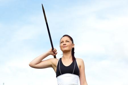 lanzamiento de jabalina: Atleta femenina de lanzamiento de la jabalina Foto de archivo