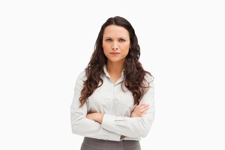 personne en colere: Portrait d'un employ� contrari� sur fond blanc