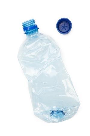 reciclable: botella de pl�stico reciclable en el fondo blanco Foto de archivo