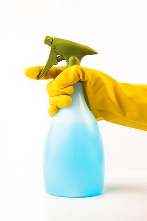 spr�hflasche: Hand mit Spr�hflasche mit Waschhandschuhe