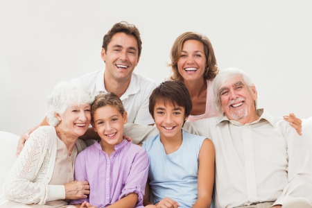 Extended family portrait on the couch Stock Photo - 18118401