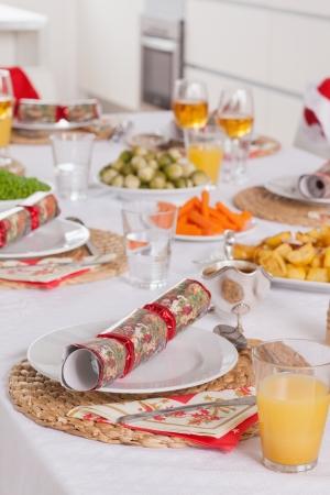 christmas cracker: Christmas dinner table