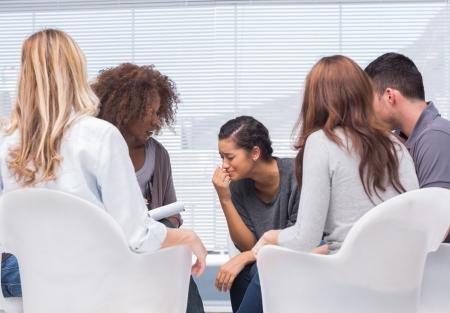 terapia de grupo: La terapia de grupo y el terapeuta