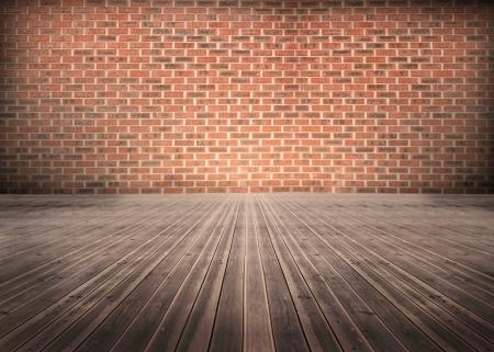 floorboards: Habitaci�n vac�a de tablas con la pared de ladrillos