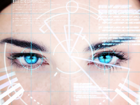 reconnaissance: Blue eyed femme avec interface d'ordinateur sur le visage Banque d'images