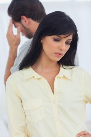 femme inqui�te: Couple malheureux a litige et ne parlons pas