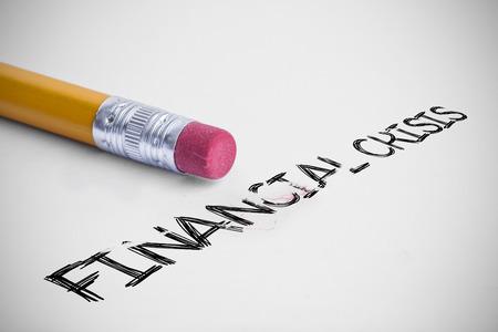 financiele crisis: Het woord financiële crisis tegen potlood met een gum Stockfoto