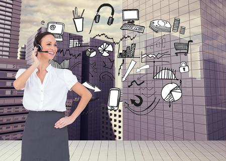 call center agent: Immagine composita di allegro agente intelligente call center di lavoro mentre posa Archivio Fotografico