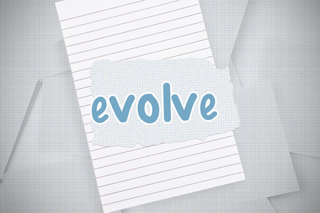 evoluer: Le mot �voluer contre du papier quadrill� g�n�r� num�riquement jonch�