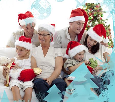 botas de navidad: Ni�os en busca de regalos en las botas de Navidad contra el marco de la Navidad